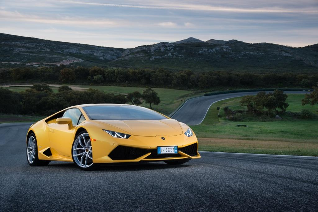Driving the 610-hp Lamborghini Huracán, love at first sting